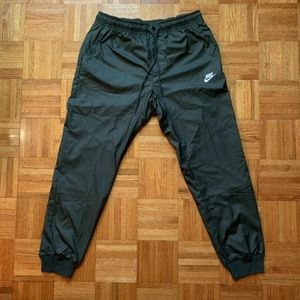 Nike Men's Windrunner Jogger Pants Sequoia Green L